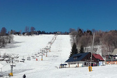 Aktuálně: obleva vrcholí, lyžařská sezóna ale běží dál
