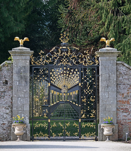 gate with perspective