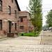 8. Barracones de Auschwitz tras las rejas