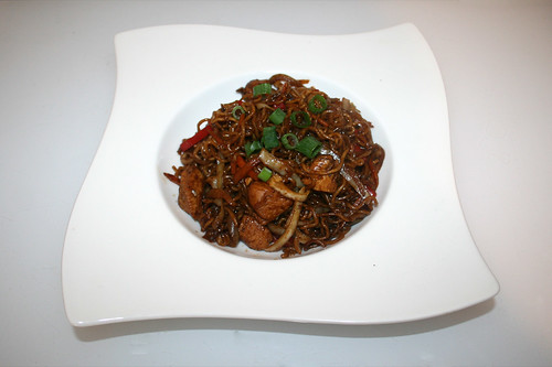 25 - Chicken vegetable ramen noodles - Served / Hähnchen Gemüse Ramen Nudeln - Serviert