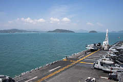 USS Essex (LHD 2) sets anchor off the coast of Phuket after arriving for a port visit, Jan. 24. (U.S. Navy/MC2 William Phillips)