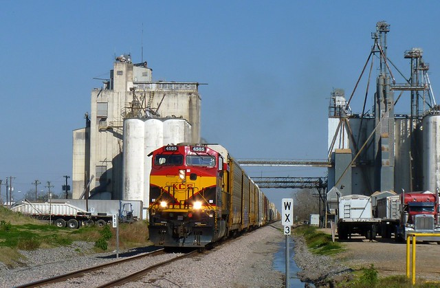 Train, trucks and silos