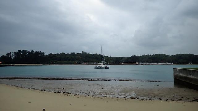 Small reefy shore at Seringat-Kias