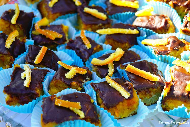 Мини-пирожные с апельсиновыми цукатами
