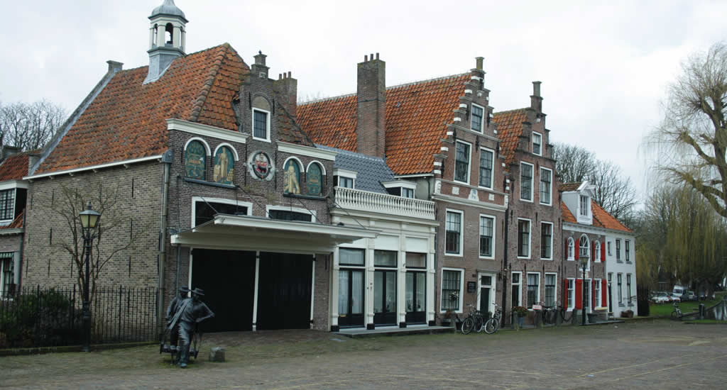 Edam, The Netherlands: Edam Cheese Market | Your Dutch Guide