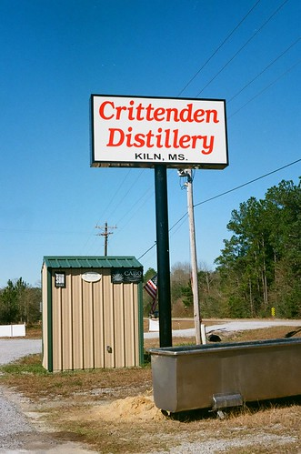 crittenden distillery kiln mississippi usa whisky bourbon moon shine voigtlander vitob kodak ultramax