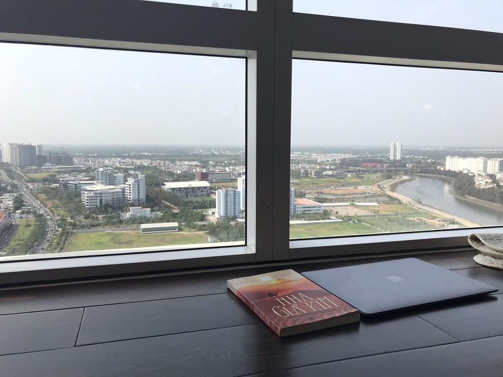 View hướng Nam căn hộ Sunrise City 3 phòng ngủ tháp V1.
