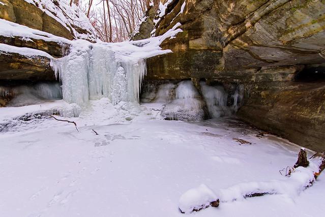 Canyon Icefalls, Nikon D750, AF-S DX Zoom-Nikkor 18-55mm f/3.5-5.6G ED