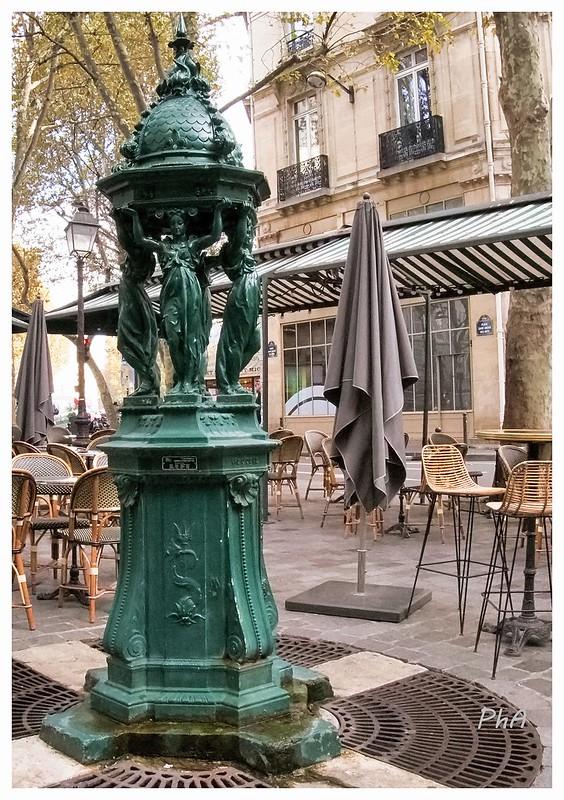 Fontaines de France et d'ailleurs - Page 2 45508826575_0774c6ea65_c