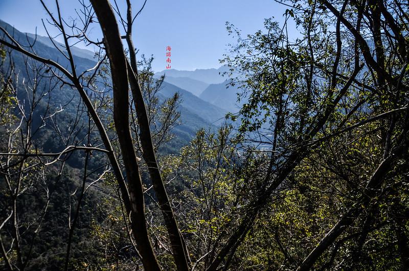 拉克斯山東南遠眺海諾南山 1