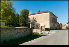 181021-9434-XM1.JPG - Photo of Saint-Claud