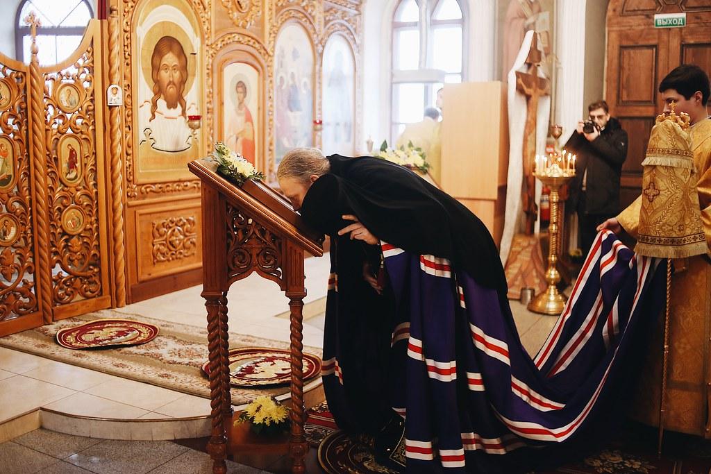 Управляющий викариатством Новых территорий г. Москвы совершил Божественную литургию в храме Живоначальной Троицы в Ознобишине