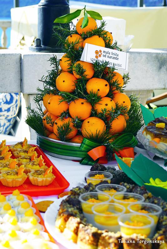 Стол с сладостями на 5 Фестивале апельсинов