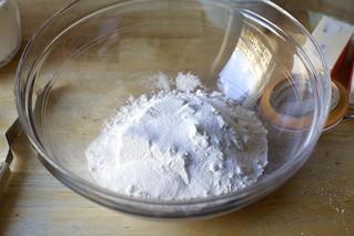 面粉、盐、糖