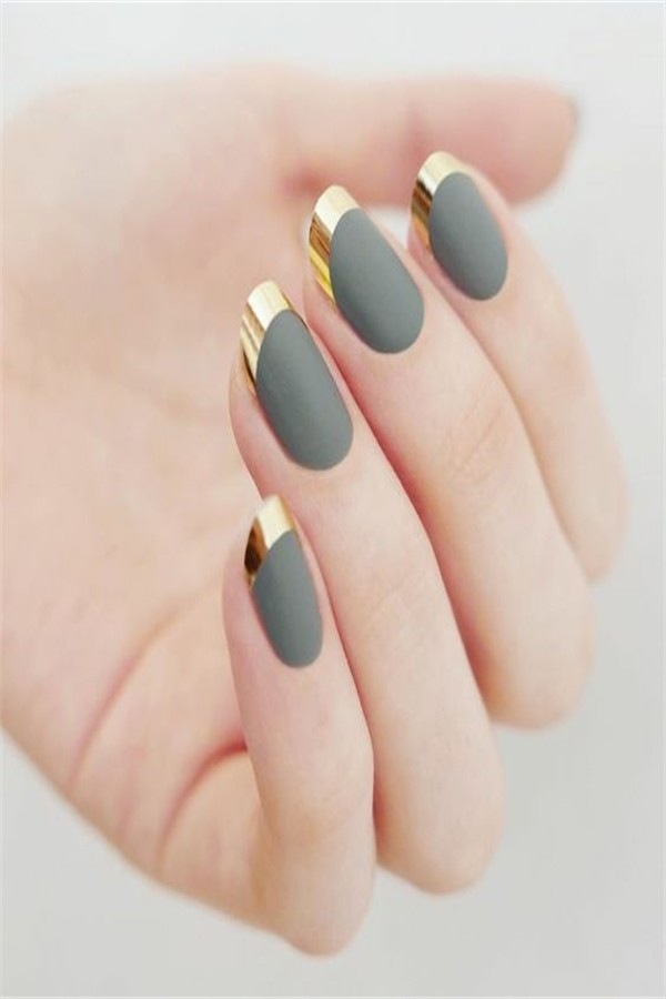 30+ Latest Pretty Metallic Nails Designs Trendy 2019   #nail_art_designs #trendy_nails #metallic_nails