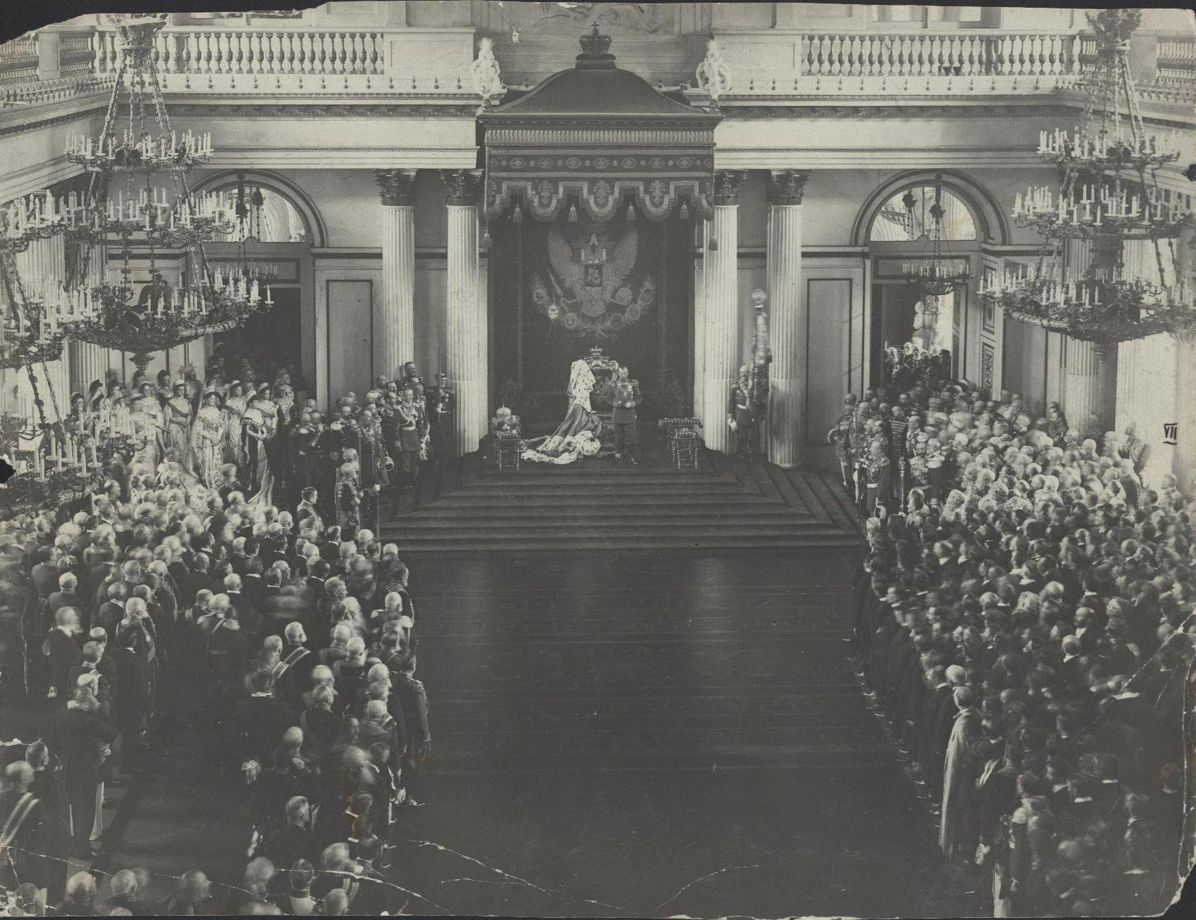 1906. Открытие Первой Государственной Думы. Император Николай II в Георгиевском зале Зимнего дворца