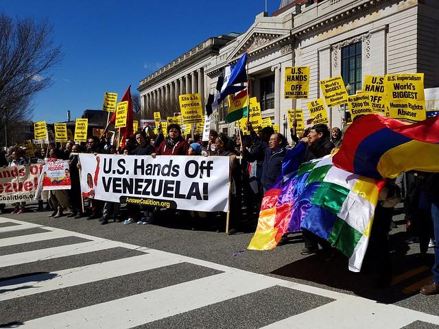 Ativistas denunciam invasão de opositores a sedes diplomáticas venezuelanas nos EUA
