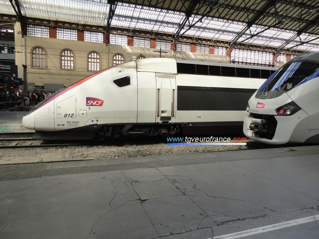 Un TGV Euroduplex RGV 2N2 3UF Alstom Transport en gare de Marseille Saint-Charles