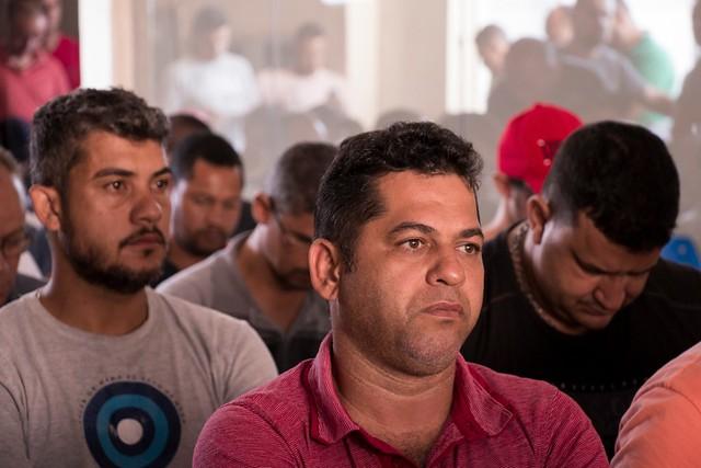 Trabalhadores debatem como agir após rompimento da barragem em Brumadinho (MG)