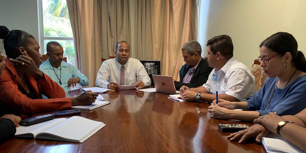 Misión Milagro evalúa nueva fase de intervenciones en San Vicente y las Granadinas