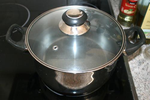 08 - Topf erneut mit Wasser für Spaghetti aufsetzen / Heat up water for spaghetti