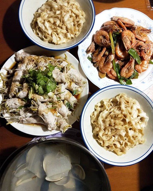 20190218 ✓豆芽豬肉捲 ✓炒蝦子 ✓曾拌麵 ✓蛤蠣冬瓜湯 #葛蘿的餐桌