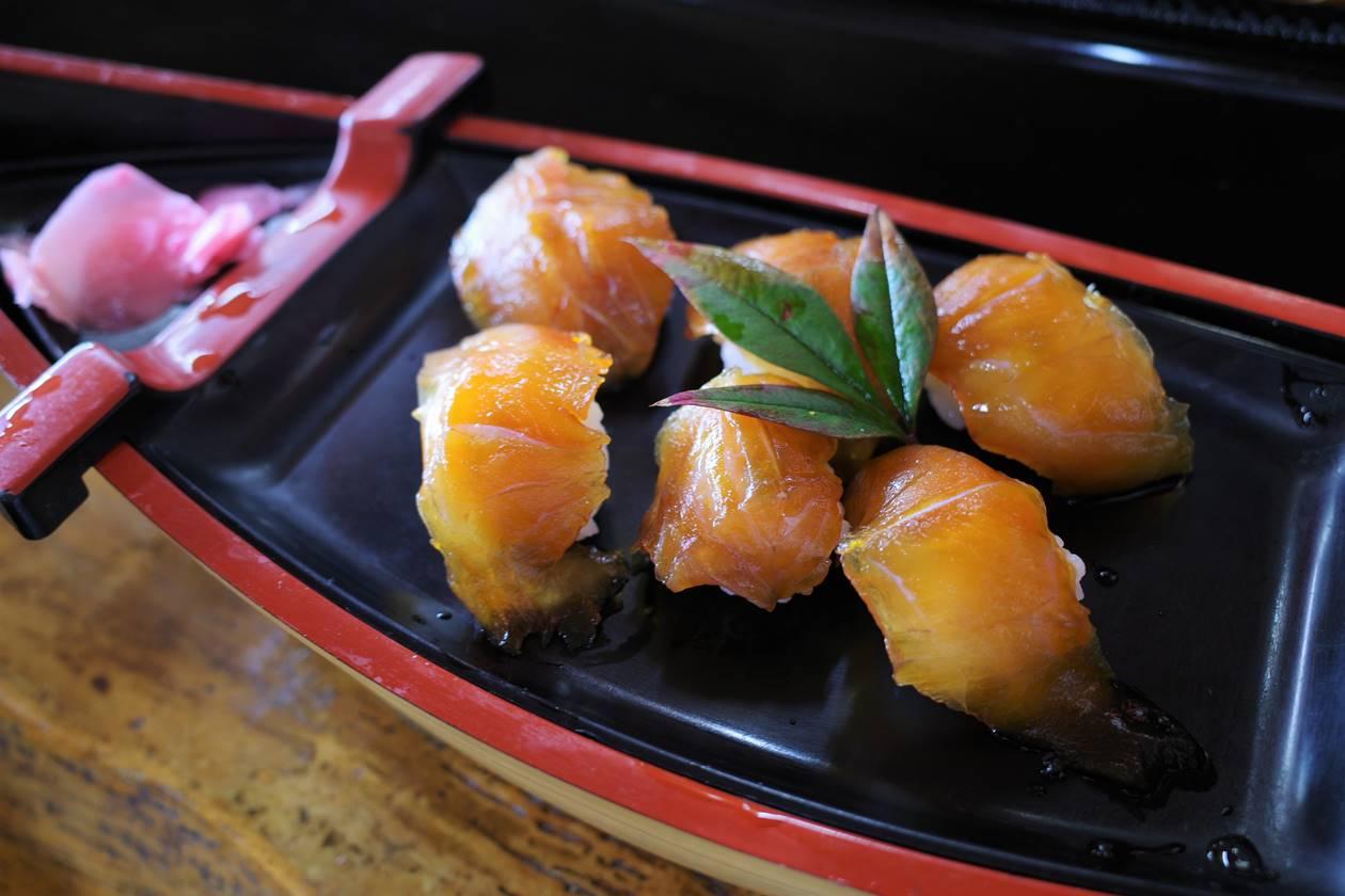 伊豆大島・元町港 べっこう寿司