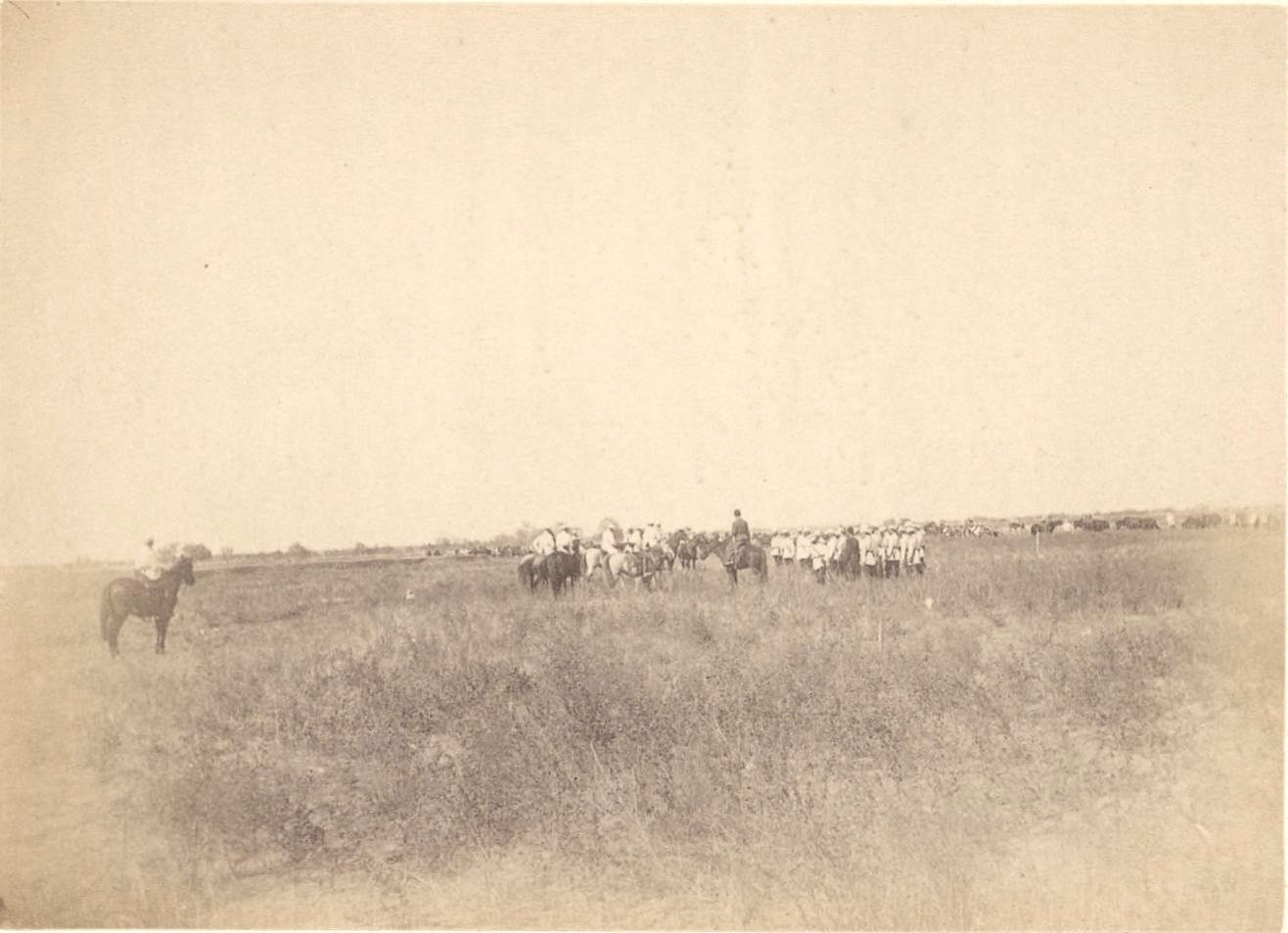 Мерв. Генерал-майор Н. П. Линевич и его офицеры 2-й Закаспийской стрелковой бригады