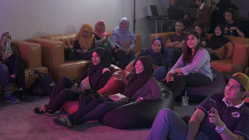Penonton (2)
