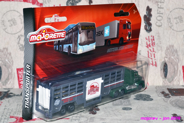 N°614 Western Star 5700XE - animal transport 46216220904_67b007fb71_z