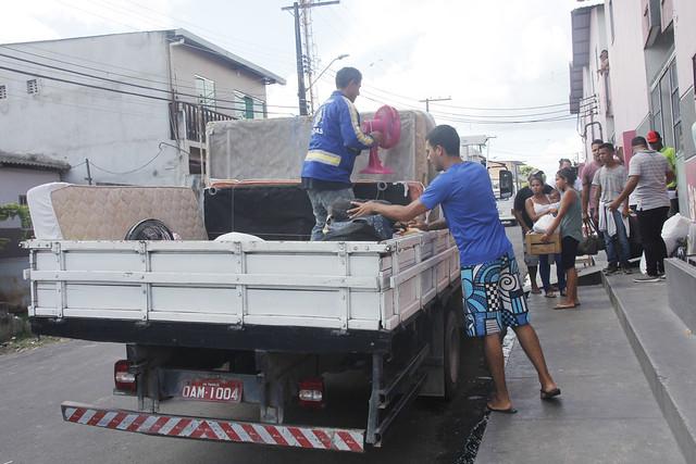 MANAUS 14.03.19. TRANSFERENCIA DE FAMILIA VENEZUELANA DO BAIRRO ALFREDO NASCIMENTO PARA O COROADO ;FOTO MARINHO RAMOS /SEMCOM