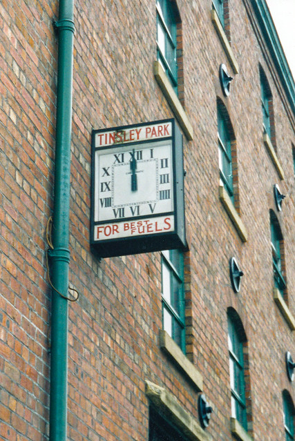 Tinsley Park clock (1)
