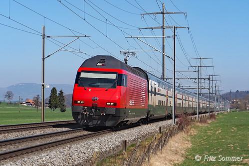 Revidierte Re 460 bei Hermiswil, P3230648-1