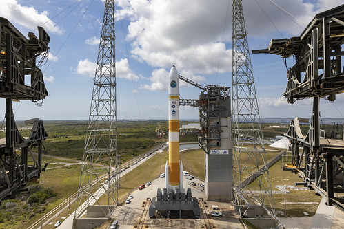 Tower Roll: Delta IV WGS-10