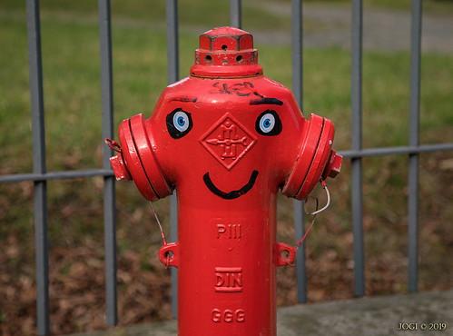 """Leipzig, Gohlis-Nord, """"freundlicher Hydrant"""", Olbrichtstraße 9-11"""