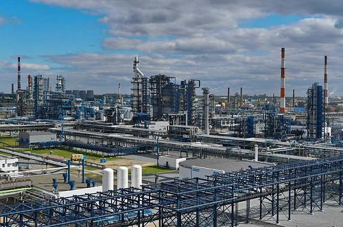 Благодаря кому на Волге появились первые нефтеналивные суда