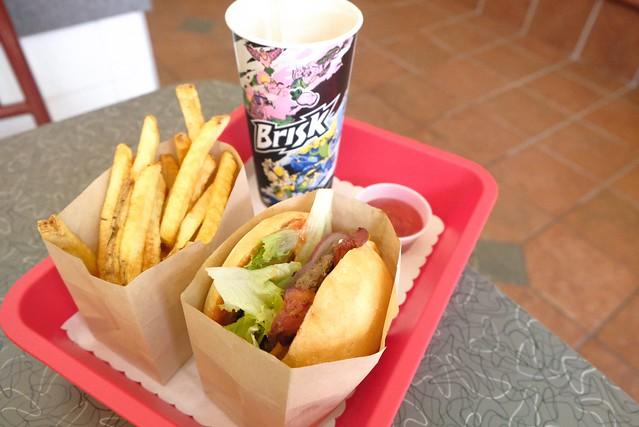 Moderne Burger Burgerette | Fairvew Slopes, Vancouver