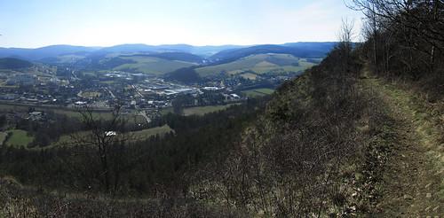 20110321 0208 495 Jakobus Wald Hügel Ortschaft Weite_P01