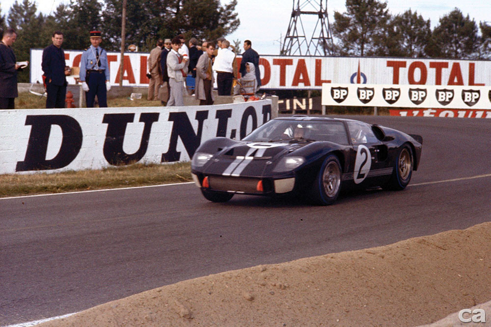 ford_gt40_le_mans_race_car_91