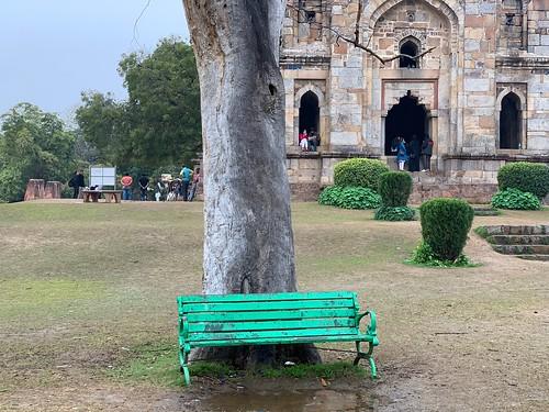 City Hangout - Most Romantic Park Bench, Lodhi Garden