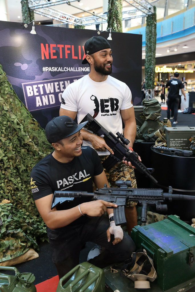 PASKAL stars, Ammar Alfian and Taufiq Hanafi at the Netflix #PaskalChallenge event(1)
