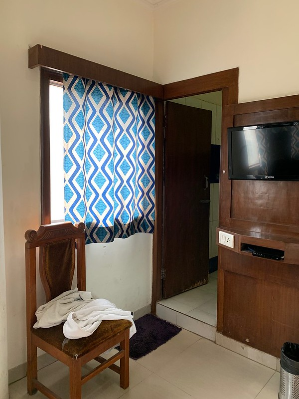 City Life - A Hotel Room, Paharganj