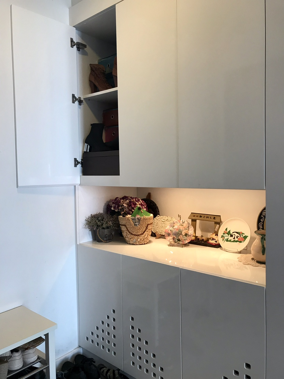 Tủ đựng đồ với màu sắc trang nhã.