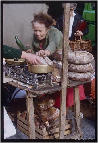 Brotfrau_Schranne_OM2_1981