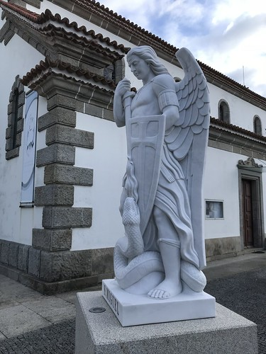 Angel on Day 4: Gray, colder, windy start. Rain predicted for next 6-7 days. #caminoportuguesdacosta