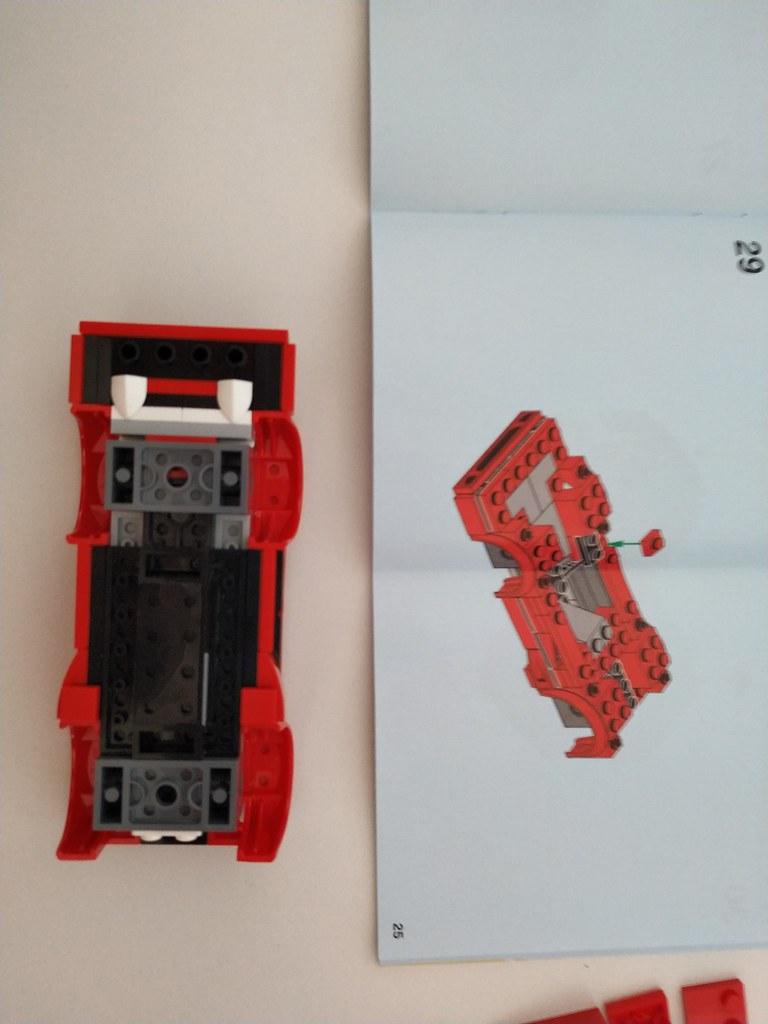 ThebrickReview: 75890 Ferrari F40 Competizione 46636440114_e75f16f2fa_b