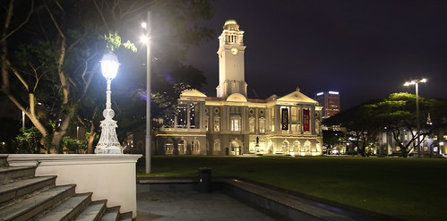 Admire the colonial façade of the the Victoria Theatre and Concert Hall