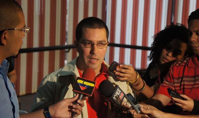 Maduro barra entrada na Venezuela de deputados da UE convidados por Guaidó