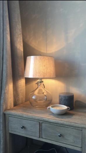 Glazen lamp dressoir