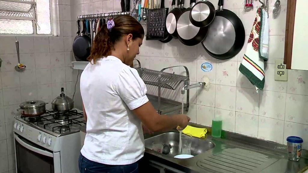 Trabalho doméstico no Pará cresce 8%, e carteira assinada cai pela 1ª vez desde 2014, trabalho doméstico